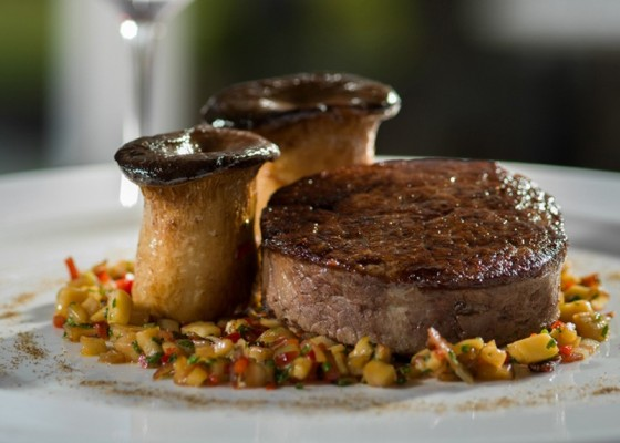<h3 class='prettyPhoto-title'>Fillet of beef</h3><br/>Charolais beef tenderloin blackcurrant pepper, stuffed eryngii