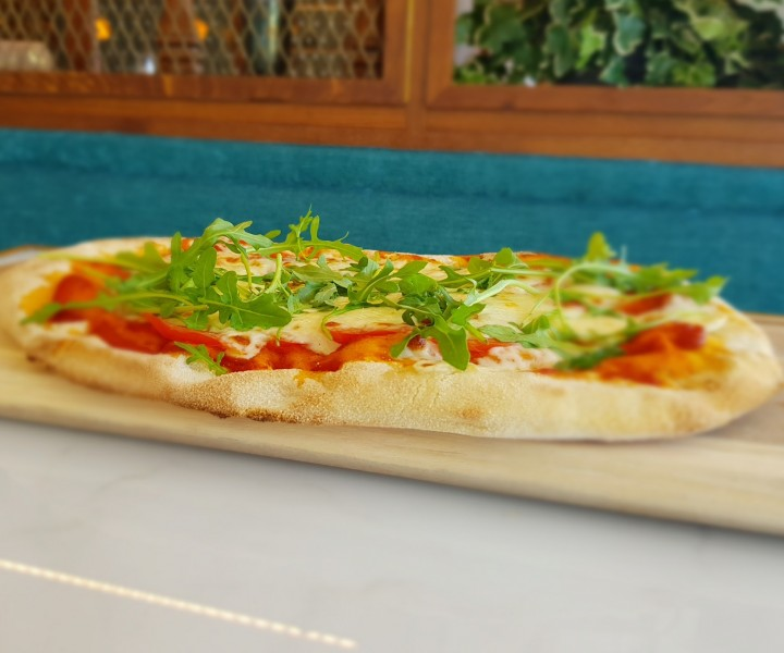 <h6 class='prettyPhoto-title'>PIZZA MARGARITA (11.00€)</h6>